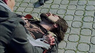 Murat, vuruluyor
