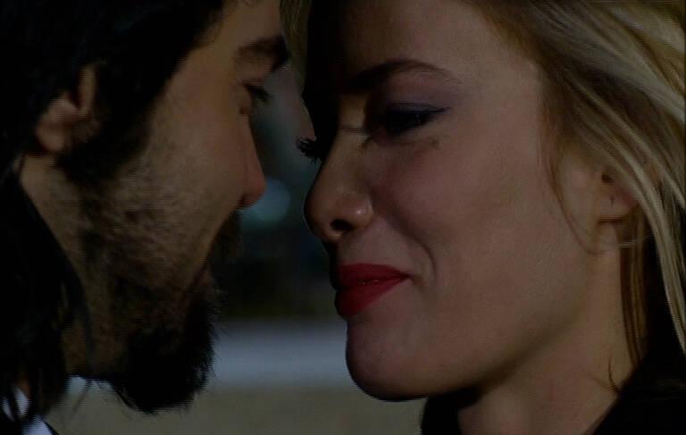 Murat, Zeynep'e evlenme teklifi etti