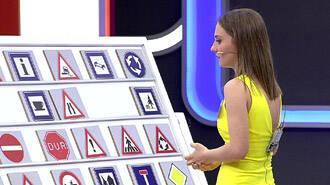 Yarışmacıdan trafik işaretine ilginç benzetme!