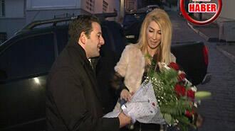 Hande Yener'den sürpriz