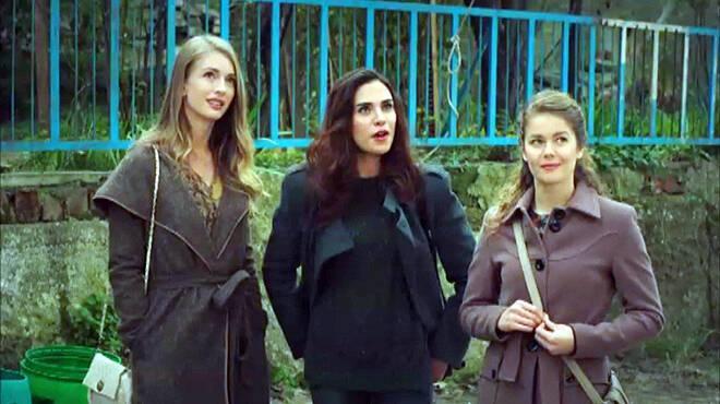 Şeref Meselesi nin kızları Ulan İstanbulda!