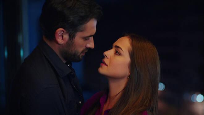 Selim ile Yelda arasında neler oluyor?