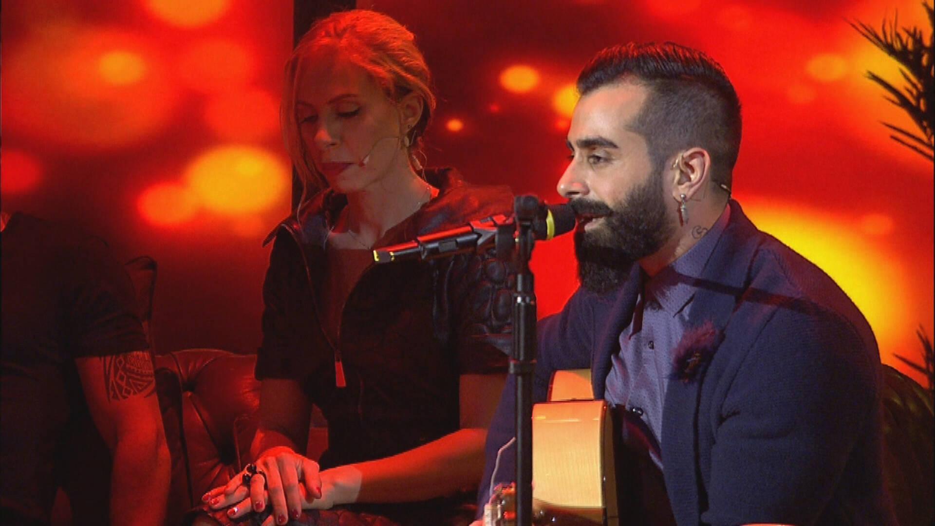 Gökhan Türkmen - Biraz Ayrılık (Beyaz Show Canlı Performans)