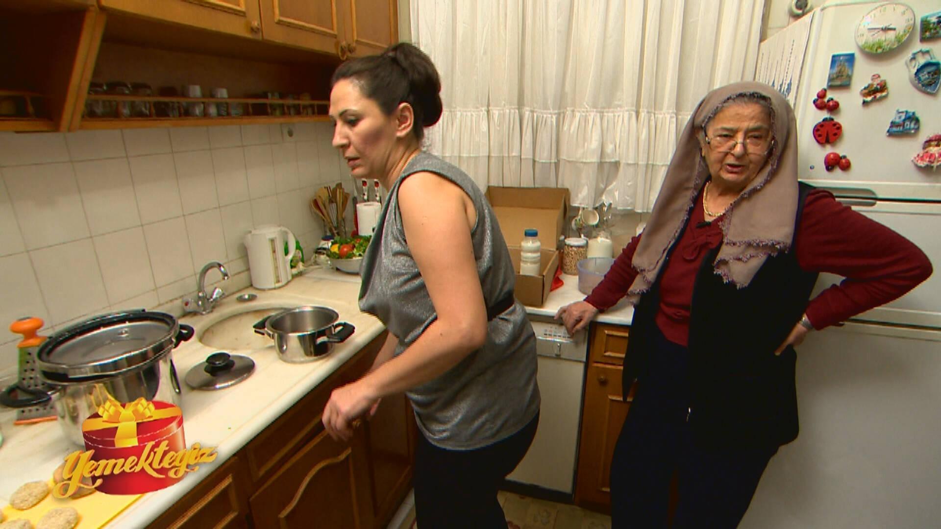 Behiye Hanım'ın Sürpriz Kutusu: İrmik Pastası