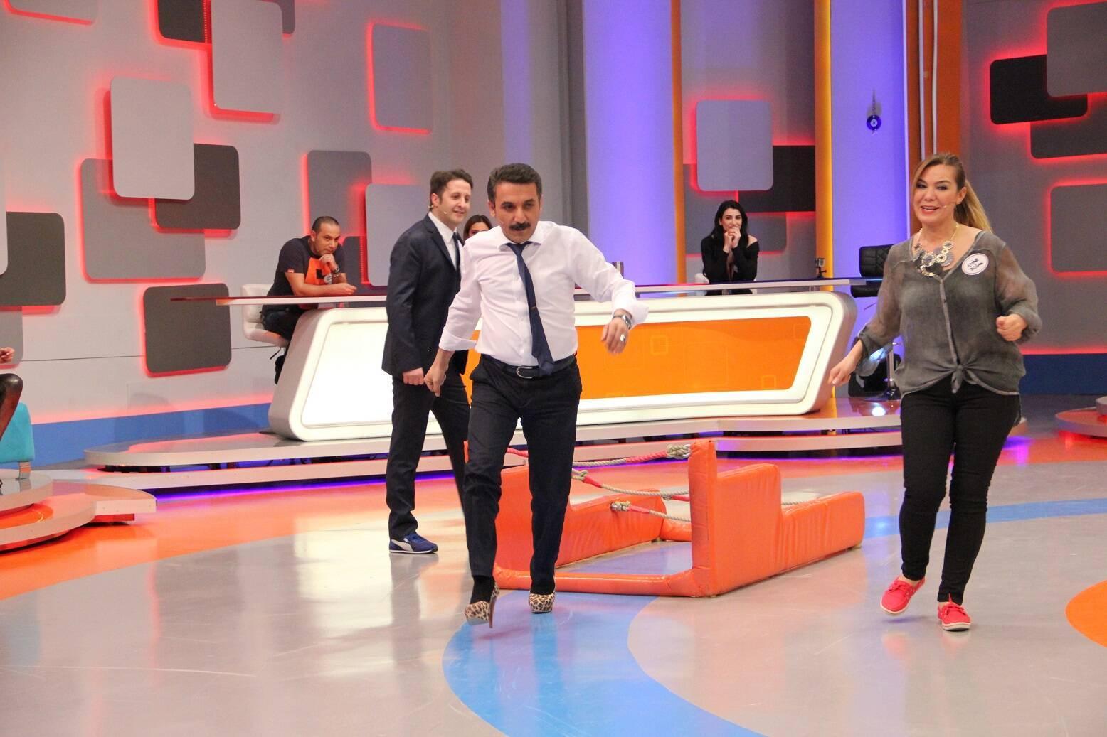 Latif Doğan'ın Topuklu Ayakkabı performansı!