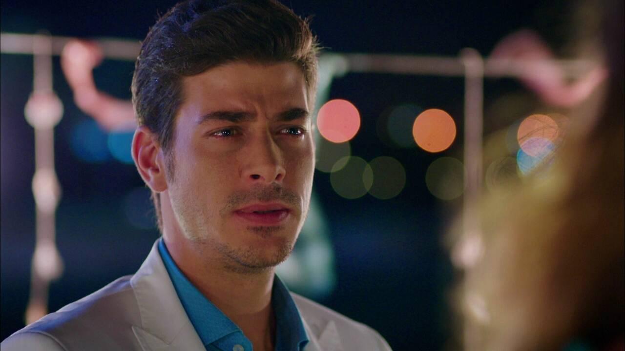 Mustafa, aşık olduğunu söyleyecek mi?