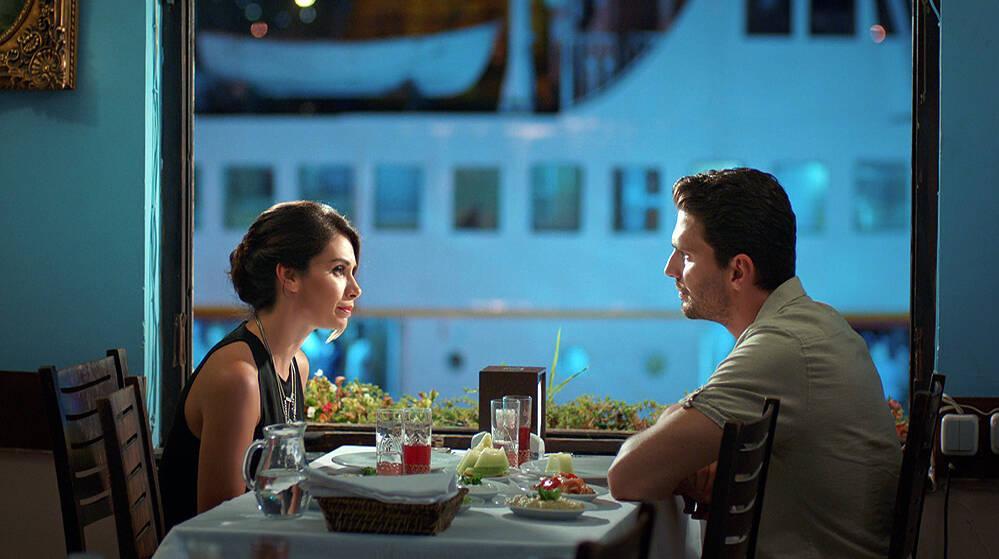 Zeynep ve Hakan, Deniz için yemekte buluştu!