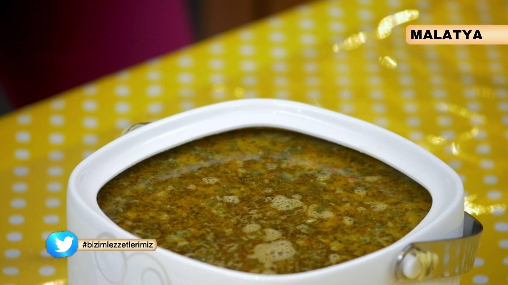 Ispanaklı Kavurmalı Tarhana Çorbası