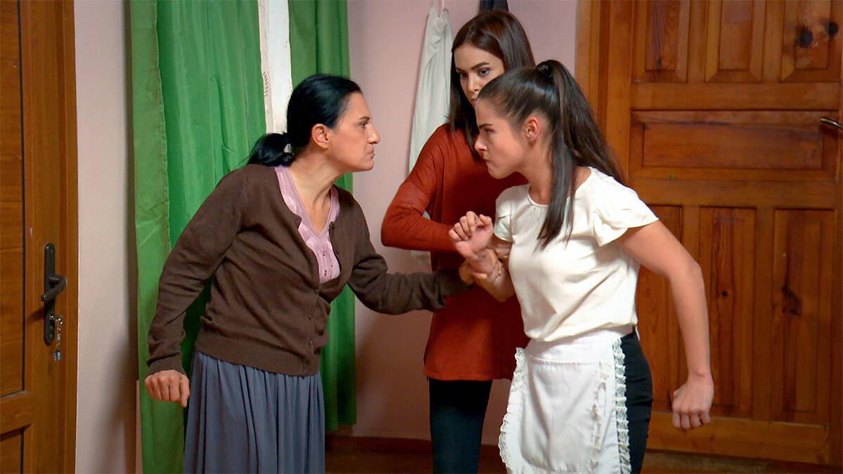 İpek, Nesrin ve Fatma'nın gazabına uğradı!