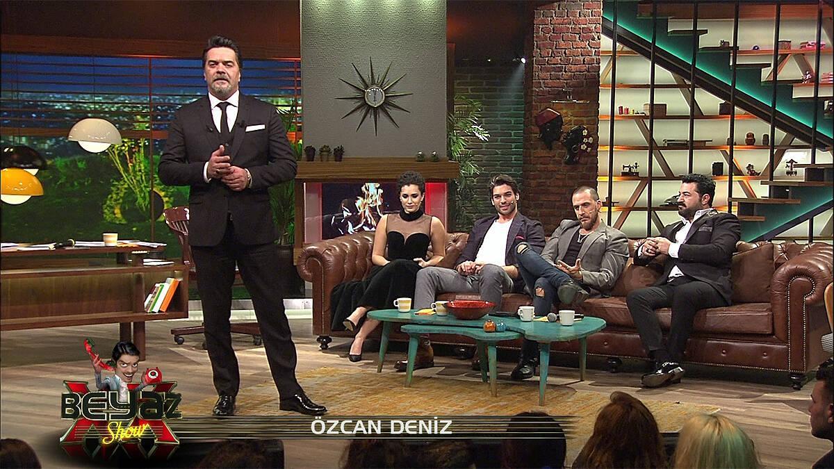 """""""Her Şey Aşktan"""" filmi yapımcısı Özcan Deniz Beyaz Show'a telefonla bağlandı!"""
