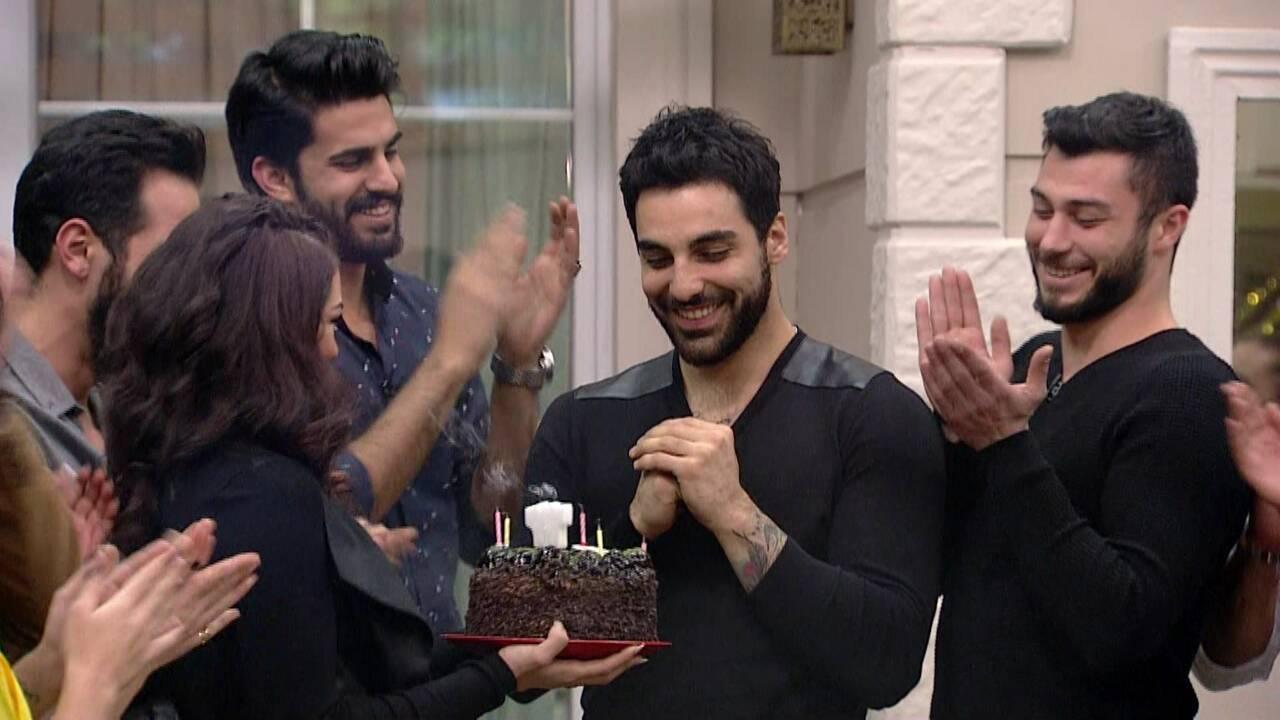 Eser'e sürpriz doğum günü partisi!