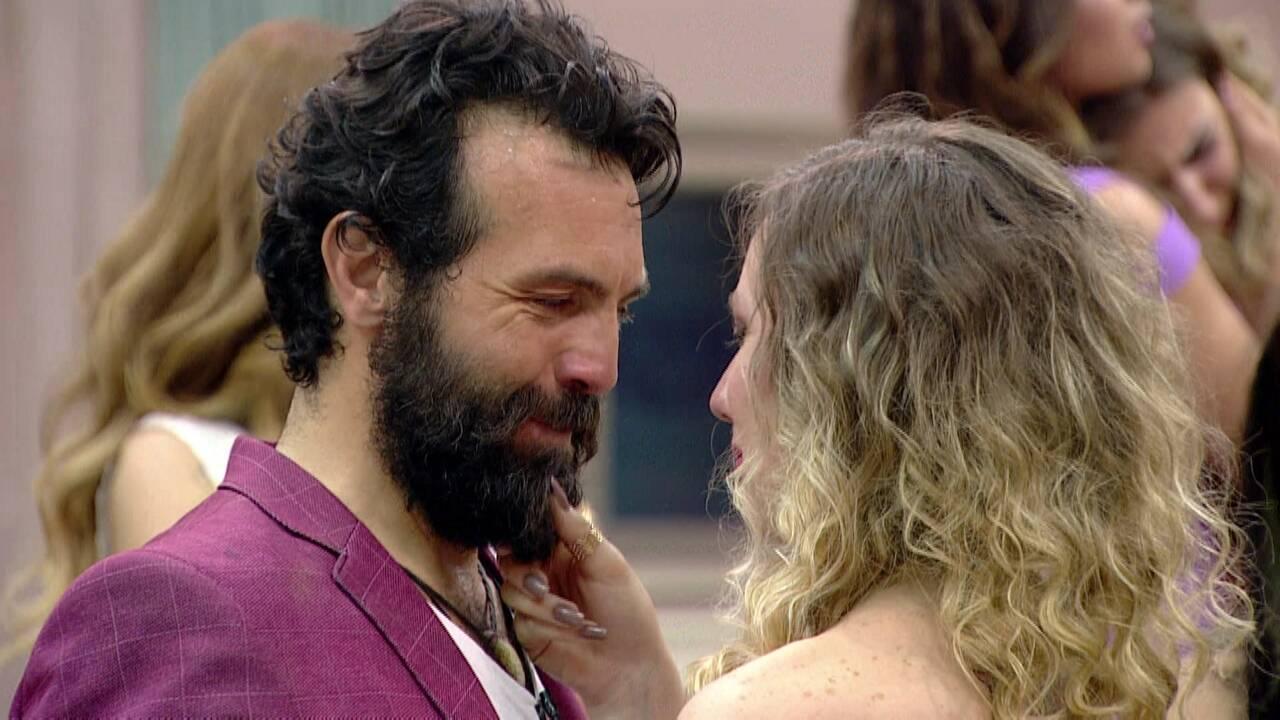 Tankut'un vedası gözyaşlarına boğdu!