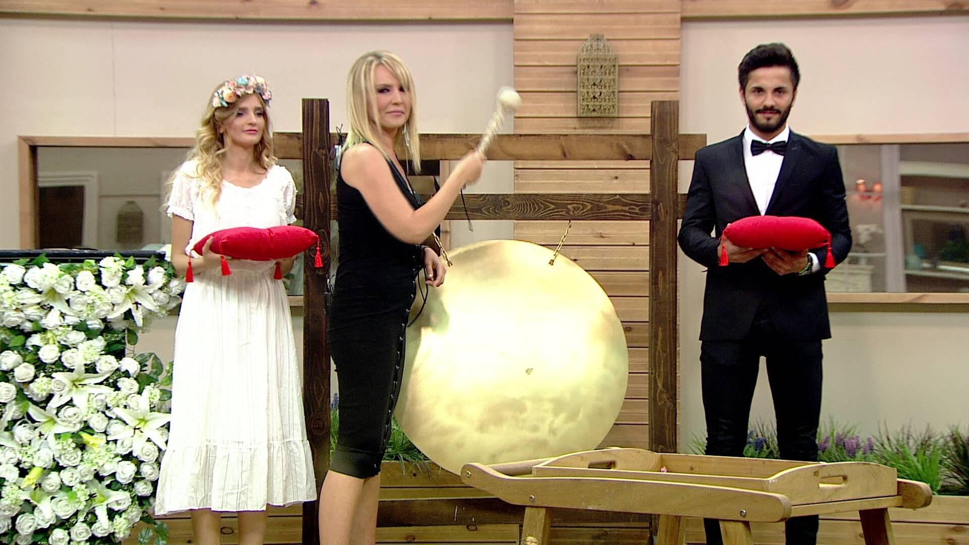 Kısmetse Olur'da beklenen Gong çaldı!