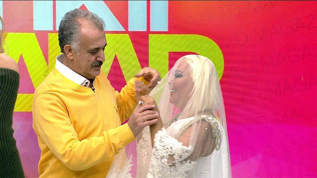 Safiye Soyman beyaz duvak taktı!