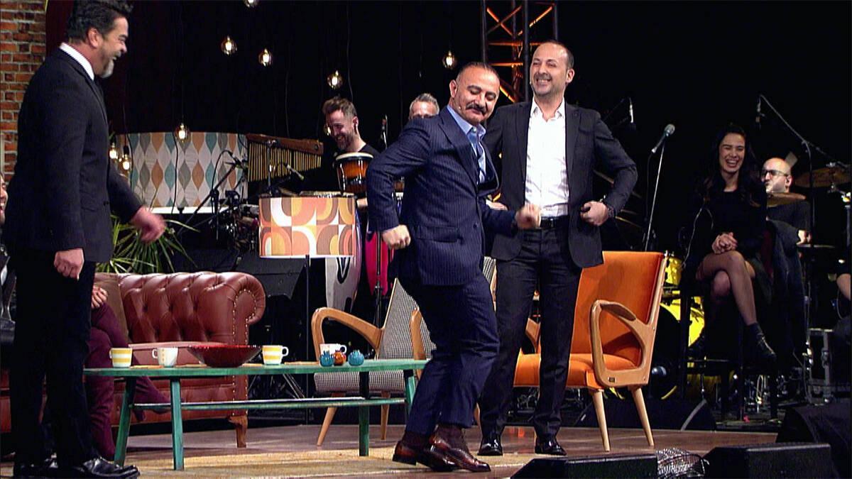 Erdal Bakkal dansı çok güldürdü!