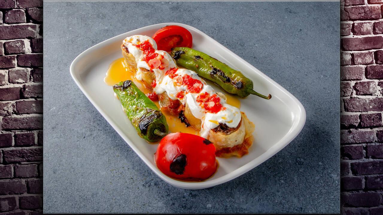 Arda'nın Mutfağı - Patlıcanlı Rulo Köfte Tarifi