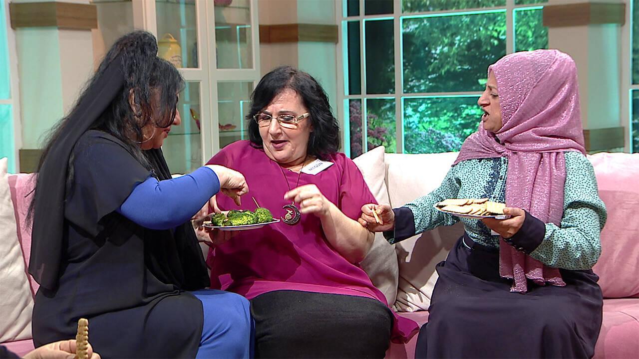 Nilgün, Reyhan ve Ziyafet'in yemek savaşının arasında kaldı!