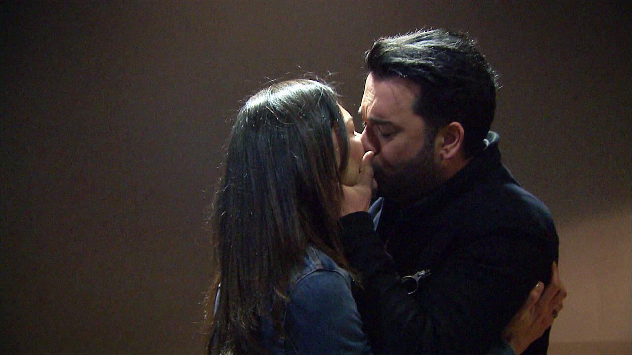 Hakan, Aylin'i öperek son kararı veriyor!