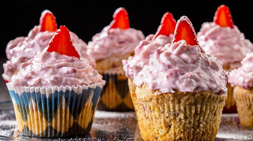 Arda'nın Mutfağı - Çilekli Muffin