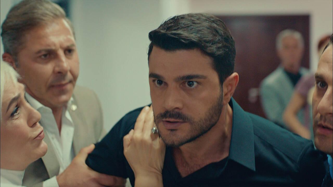 Cem, Mehmet'le kavga ediyor!