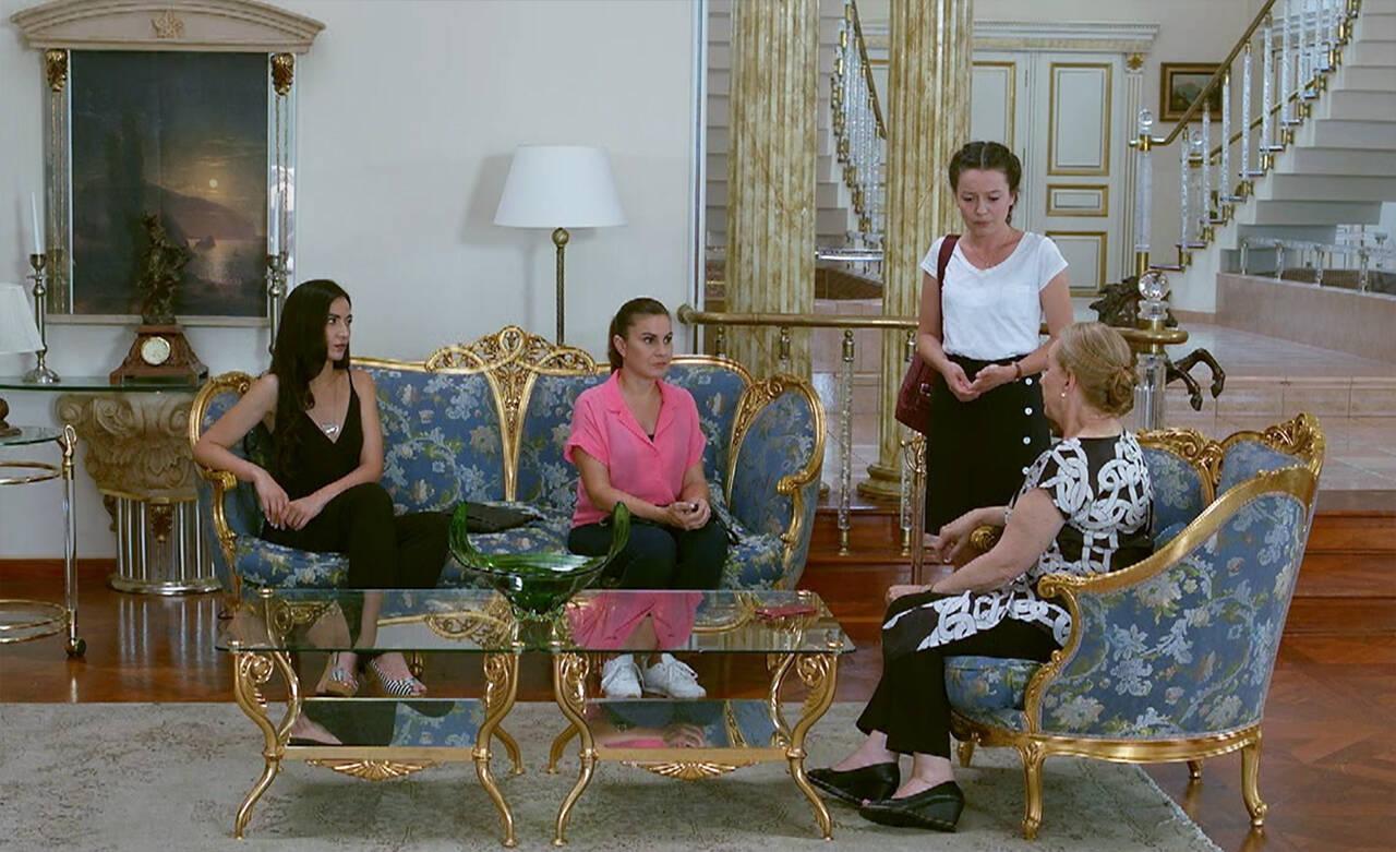 Meryem, Ulviye'ye durumu anlatıyor!