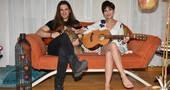 Aydilge ve Utku'dan Evlerinde Sıcacık Bir Konser