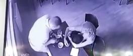 Zeytinburnu'nda arkadaşının cüzdanını çalan şüpheli kamerada | Video