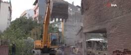 Metruk binalara deprem yıkımı | Video