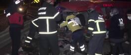 Bariyerlere çarpan minibüsteki 7 kişi yaralandı | Video