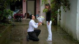 Asyaya sürpriz evlilik teklifi