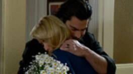Murat, Zeynep'in gönlünü aldı