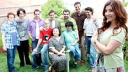 Sekiz erkek kardeşin Yengesi, Bizim Yenge