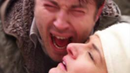 Ahmet'in annesi vuruluyor