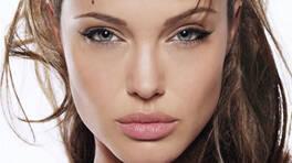 Konu mankeni Angelina olunca