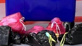 Eşiniz bir dakikada çöp kutusuna kaç poşet atabilir?