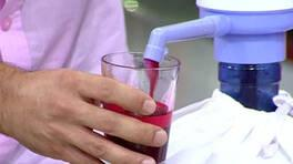 Eşiniz 60 saniyede kaç bardak acılı şalgam suyu içebilir?