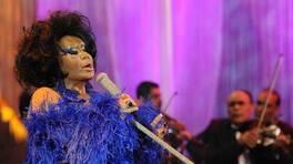 Beyaz Show - 11 Mayıs 2012 yayını - Bülent Ersoy