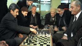 Bu kahvehanede sadece satranç oynanıyor!