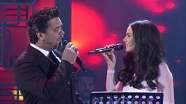"""Fahriye Evcen """"Hasretinle Yandı Gönlüm"""" şarkısını canlı söyledi!"""