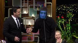 Beyaz Show'da bir ilk! Mustafa Ceceli tablet kafasıyla canlı yayında