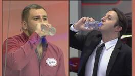 Su içerken bile romantik!