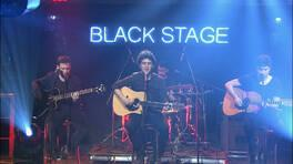 Pinhani grubu Yüksek Sadakat'in şarkılarından bir bölümünü Beyaz Show'da canlı söyledi!