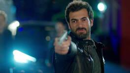 Poyraz, İsmail Karayel'i vuruyor!