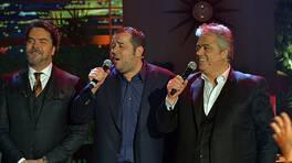Cengiz Kurtoğlu ve Ata Demirer söyledikleri şarkılarla geceye damga vurdu!