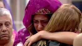 Hazal, kına gecesinde gözyaşlarını tutamıyor!