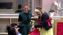 Rabia ve Didem arasında çiçek krizi!