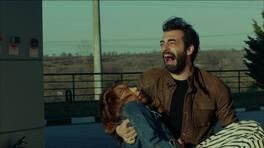 """Poyraz Karayel'in """"Veda"""" bölümü milyonları ağlattı!"""