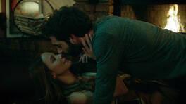 Poyraz ve Ayşegül'ün aşk sahnesi - Sansürsüz