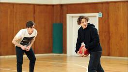 Hakan ve Fiko'dan, Kıvanç'a basket dersi!