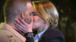 Aşıkları barıştıran öpücük!